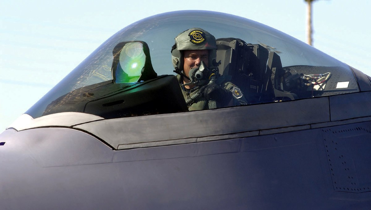 F-222 cockpit close up, F-22 facts