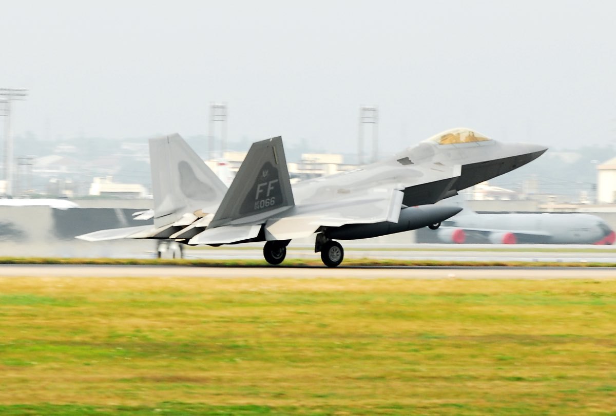 F-22 Raptor landing, F-22 facts