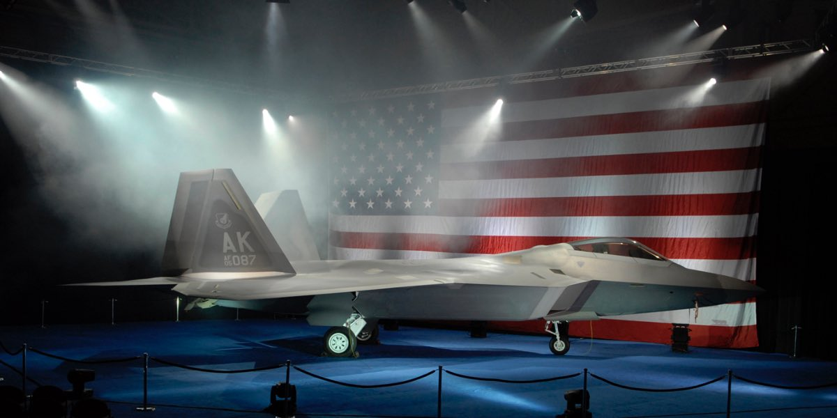 F-22 with American flag, F-22 facts