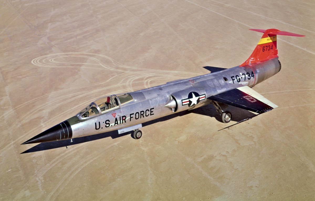 F-104 Starfighter on dry lakebed