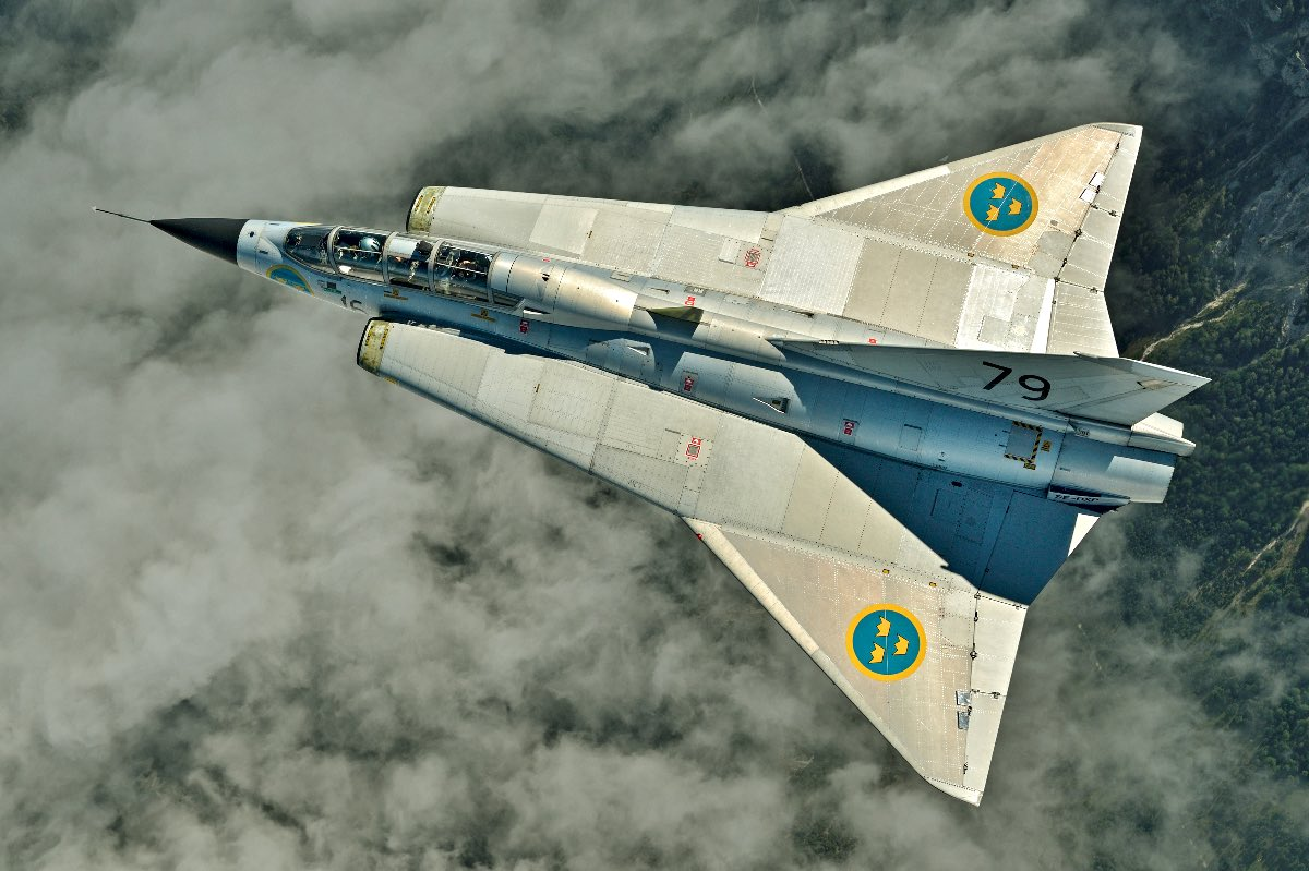 Saab 35 Draken top view