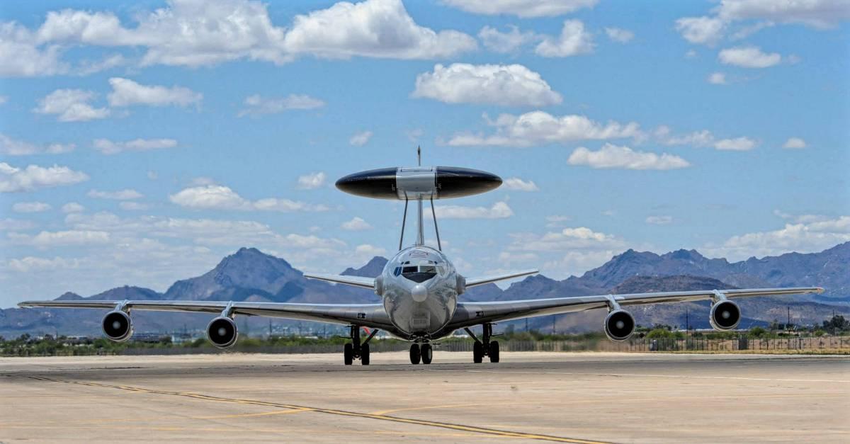 Nato Otan Awacs Boing E3 A Sentry Militäry Aircraft With Radar Antenna During Ila 2006 In Berlin