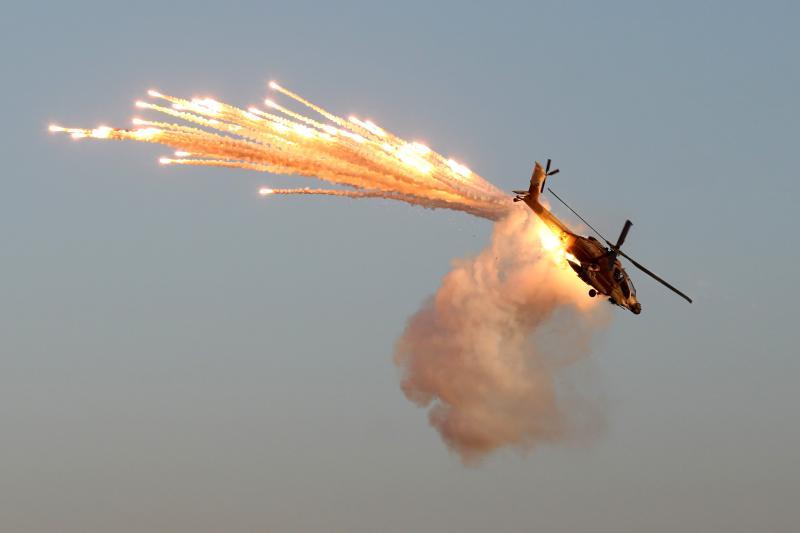 AH-64 firing