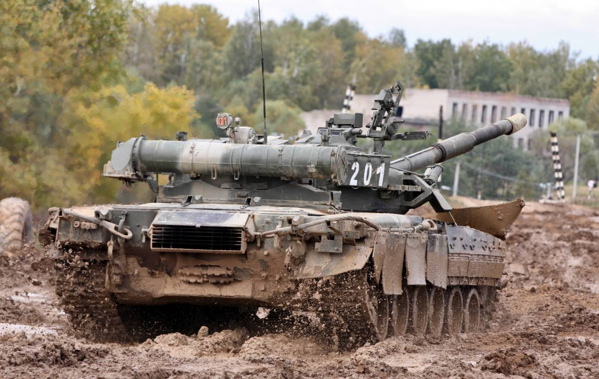 T-80 battle tank in the mud