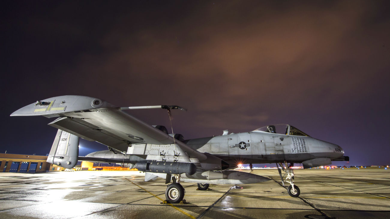 A-10 Thunderbolt Night parked