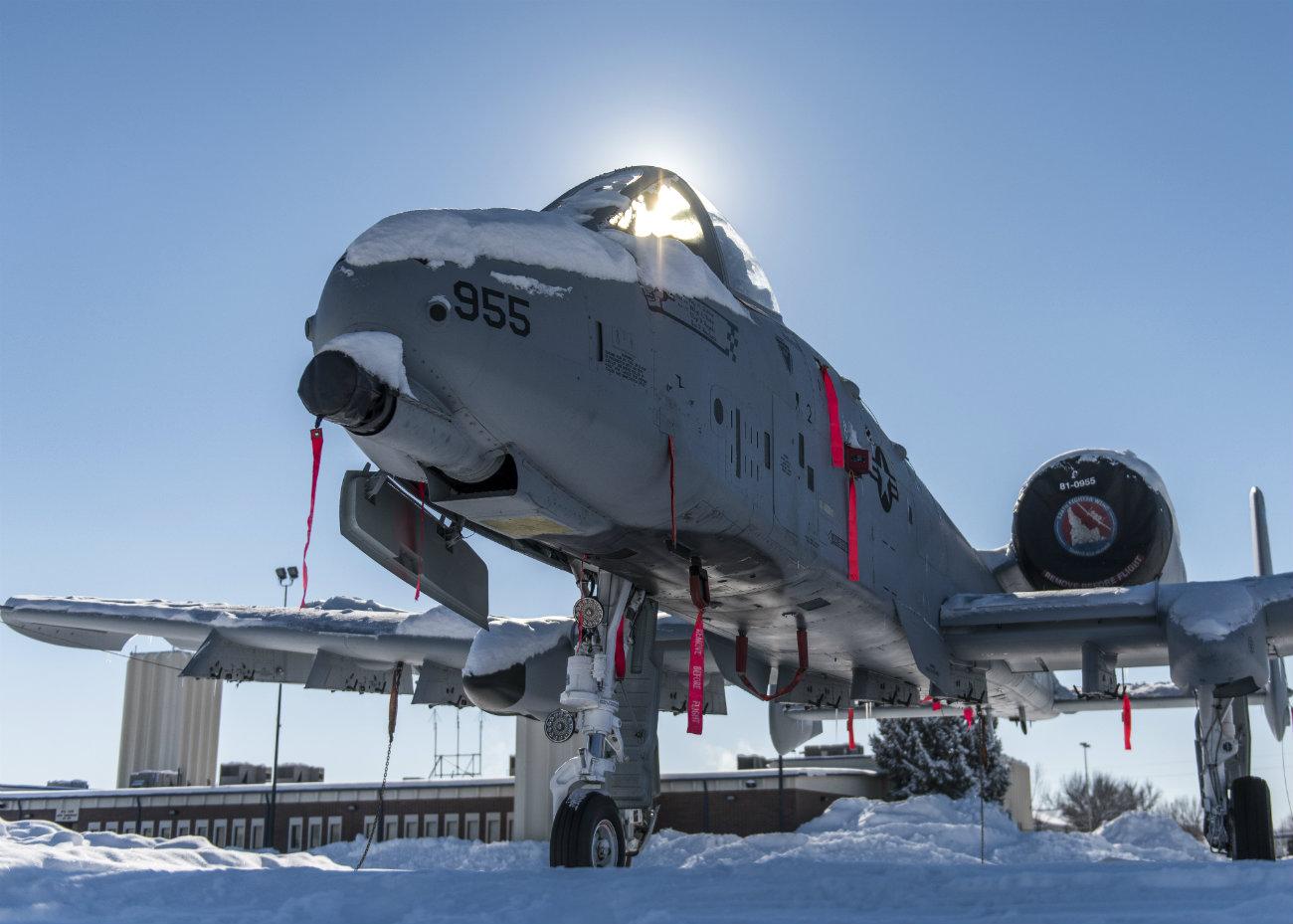 A-10 Thunderbolt Snow