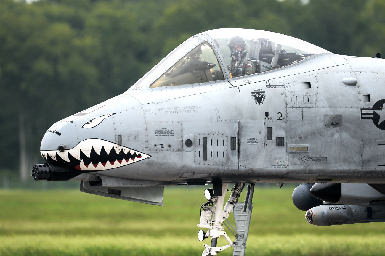 A-10 Thunderbolt prepare to take off