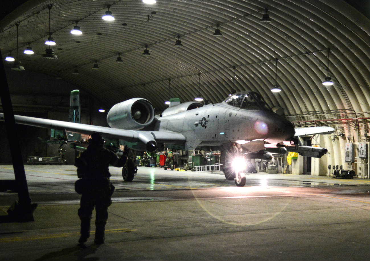 A-10 aircraft Night Checks