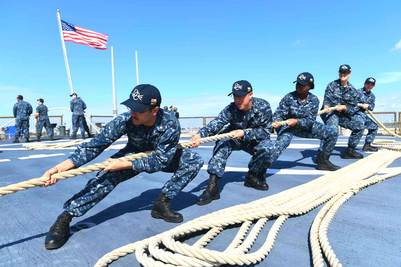Aircraft carrier seamen rope pull