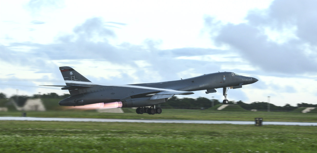 B-1b images Lancer aircraft afterburner