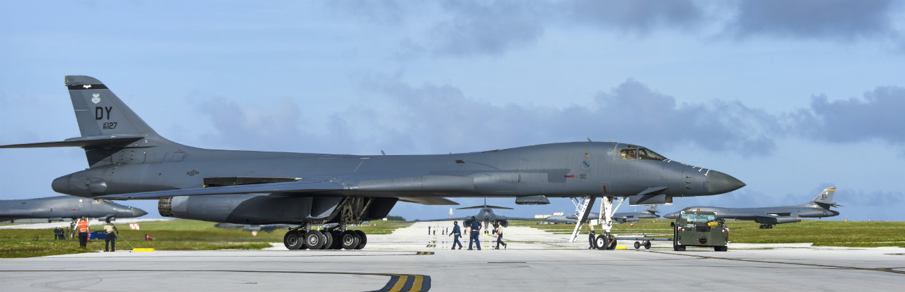 B-1b images Lancer side view