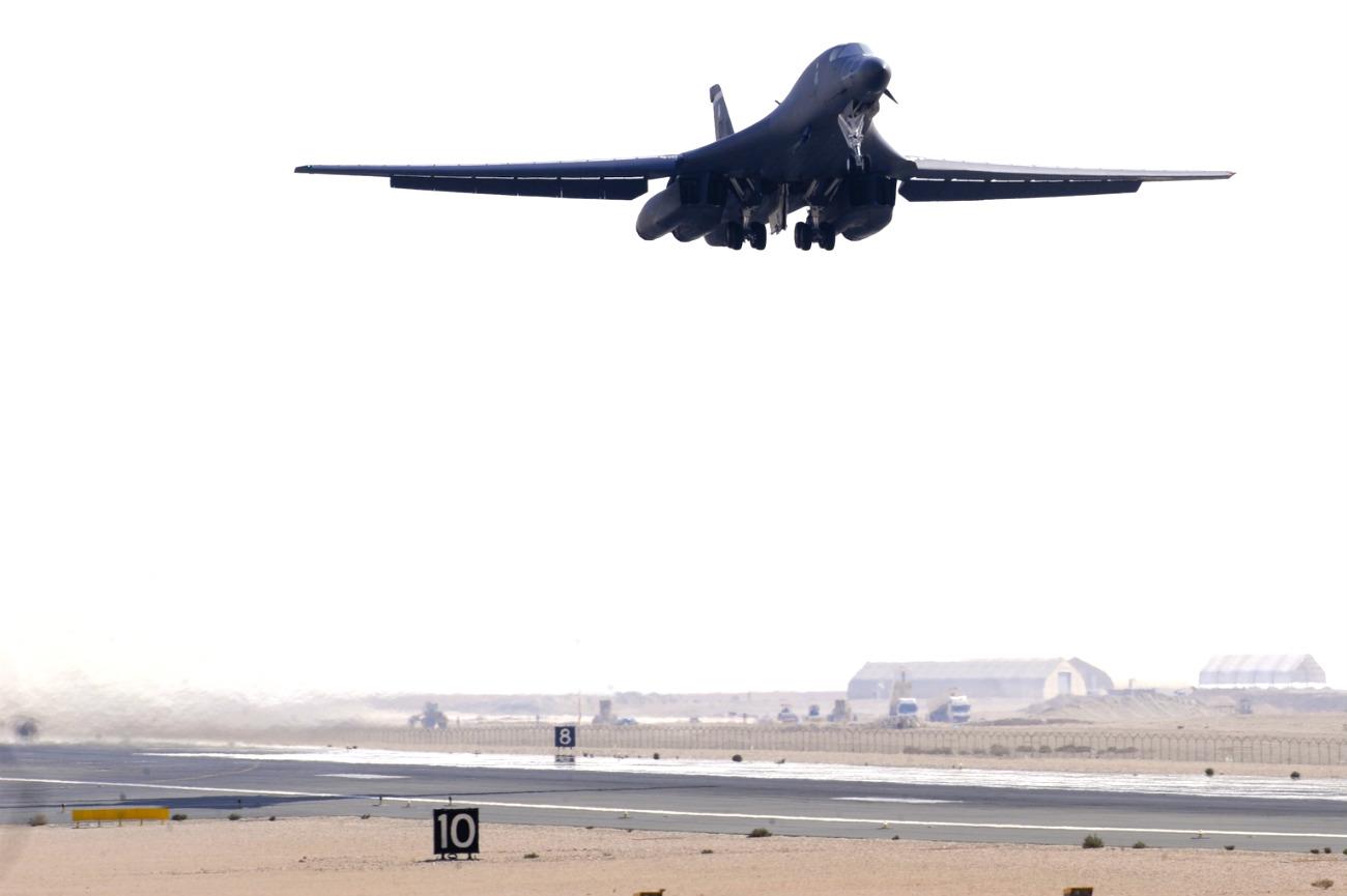 B-1b Lancer takeoff