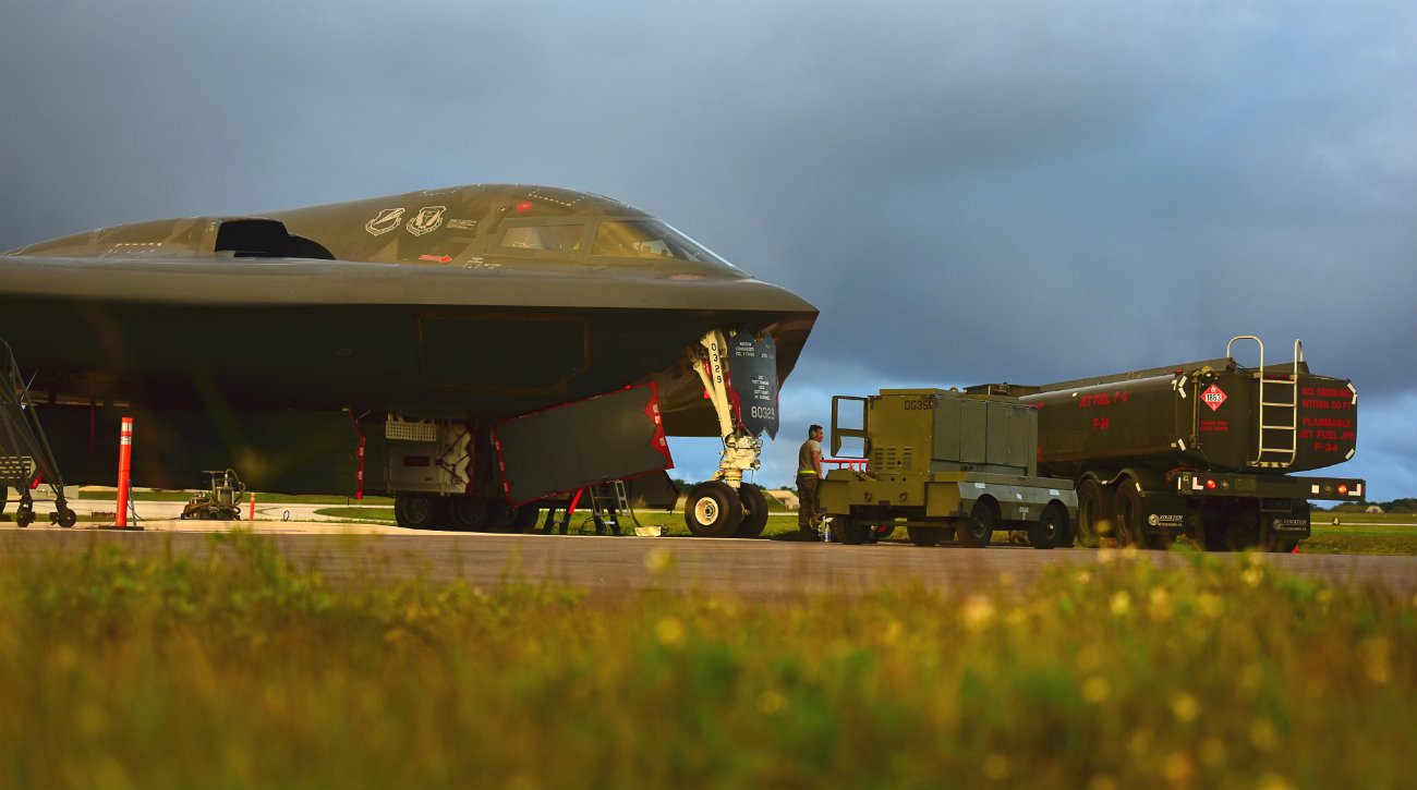 B-2 Images Spirit aircraft checks