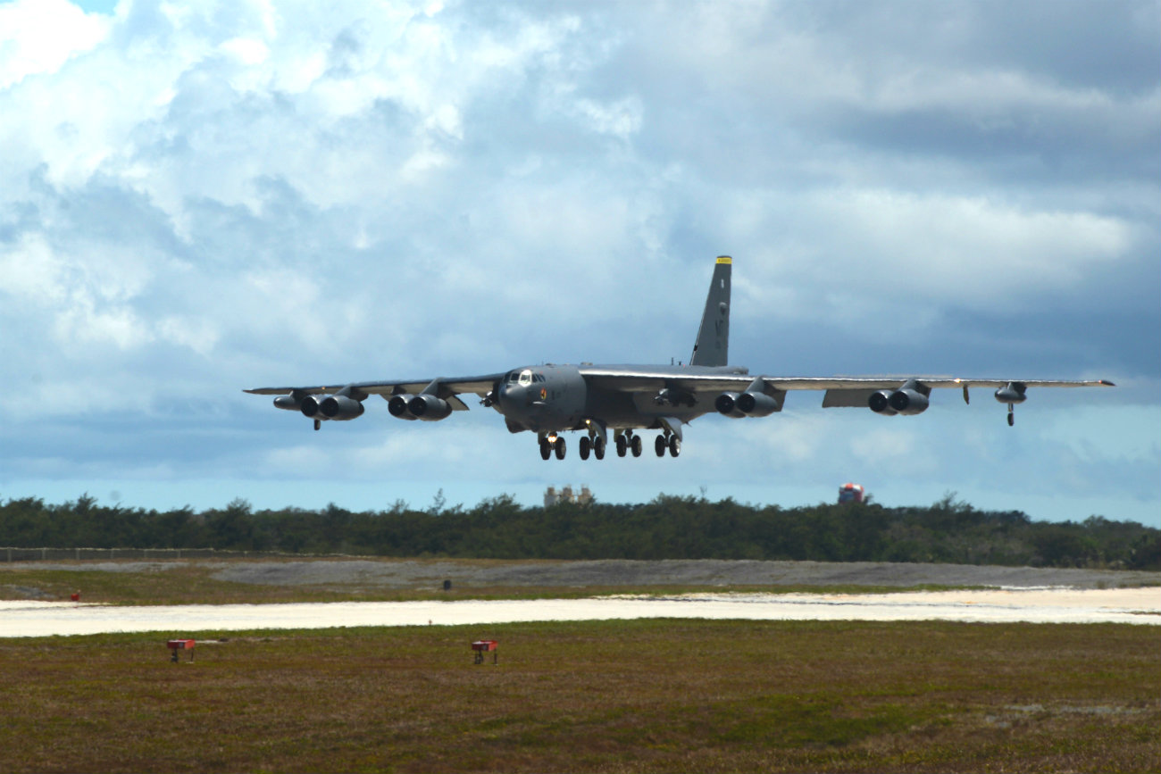 B-52 Aircraft Landing