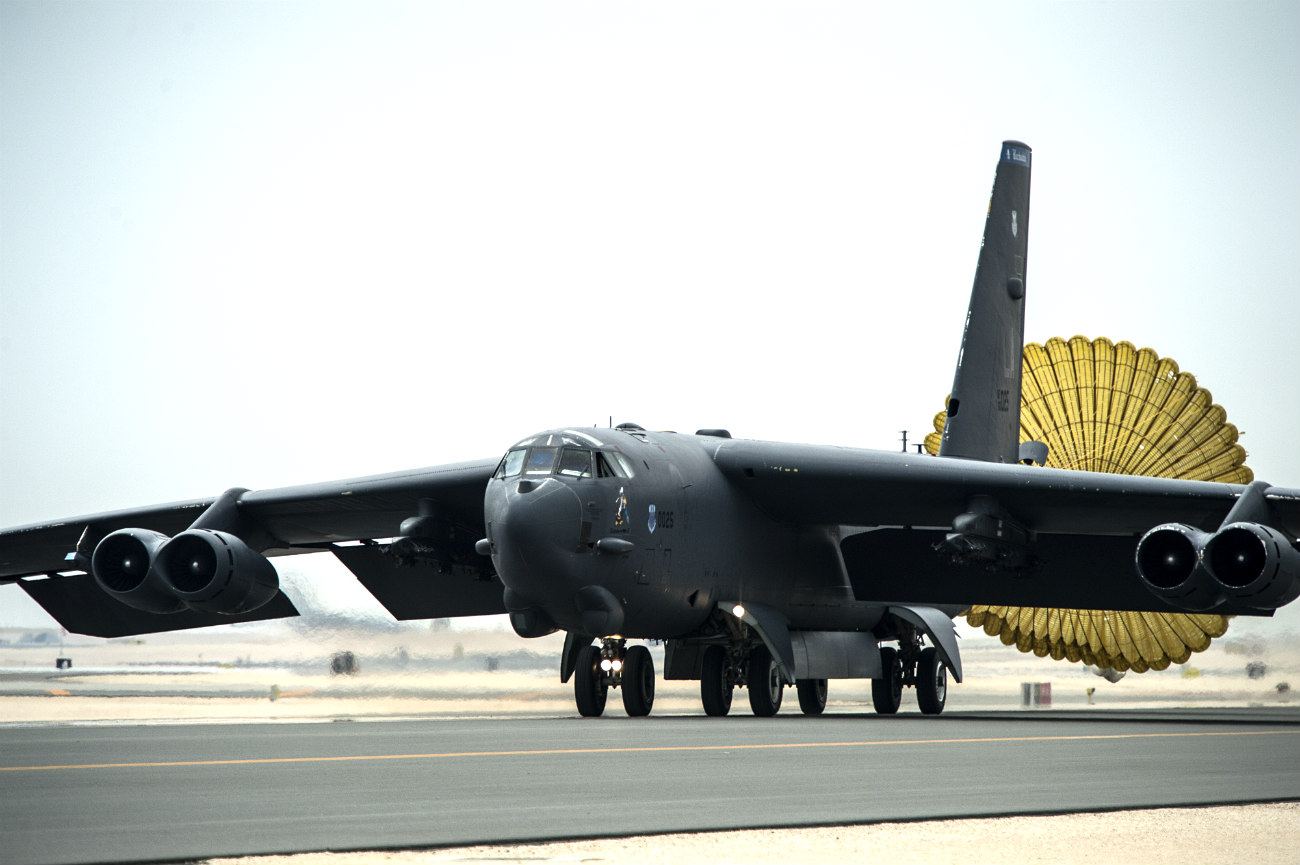 B-52 Images Parachute Landing