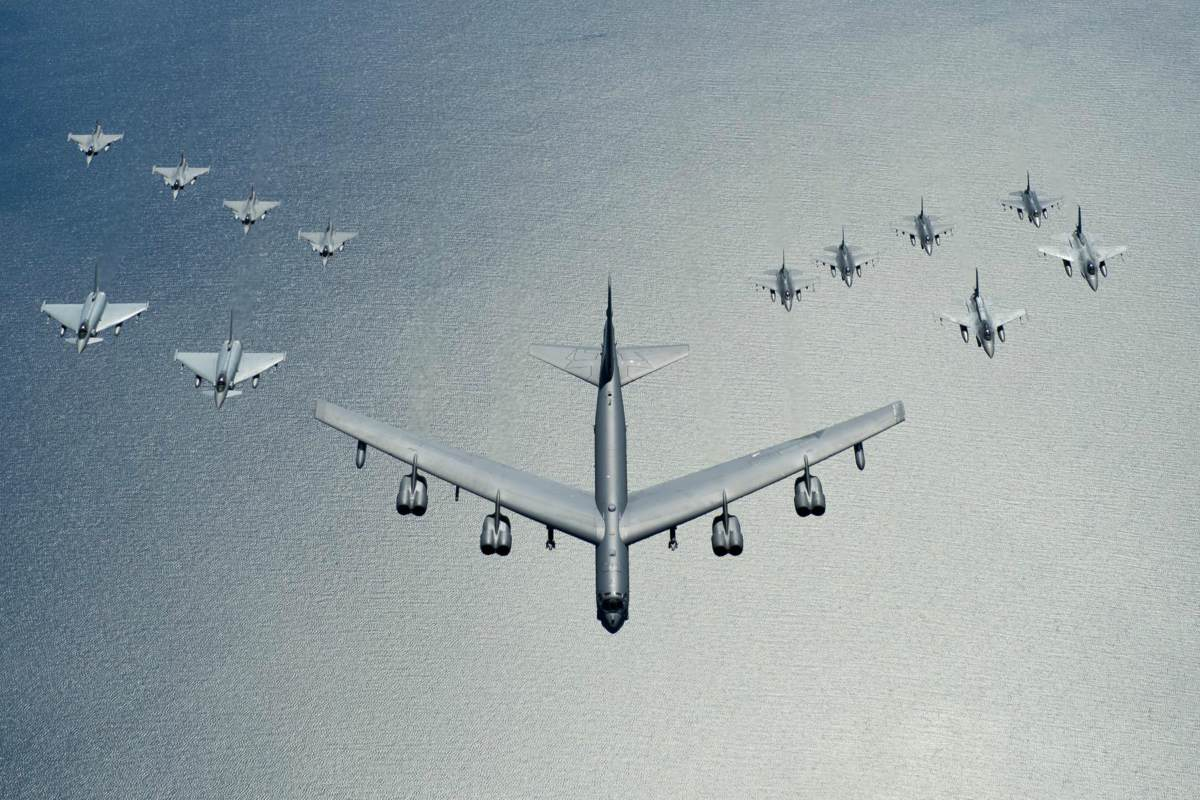 B-52 Stratofortress modern military aircraft