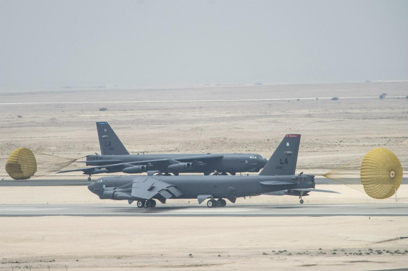 B-52s Parachute landings