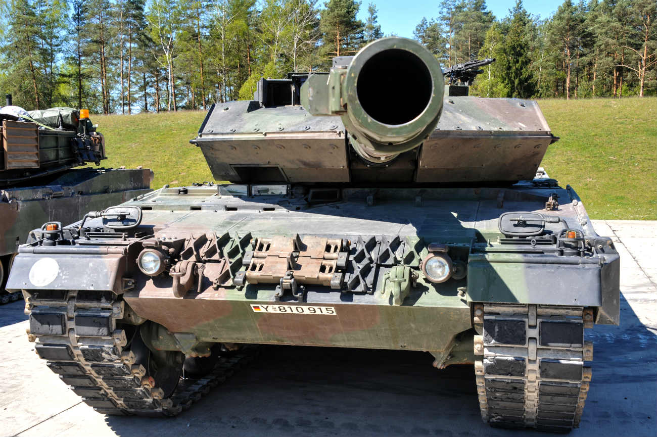 Battle Tank Leopard 2A6