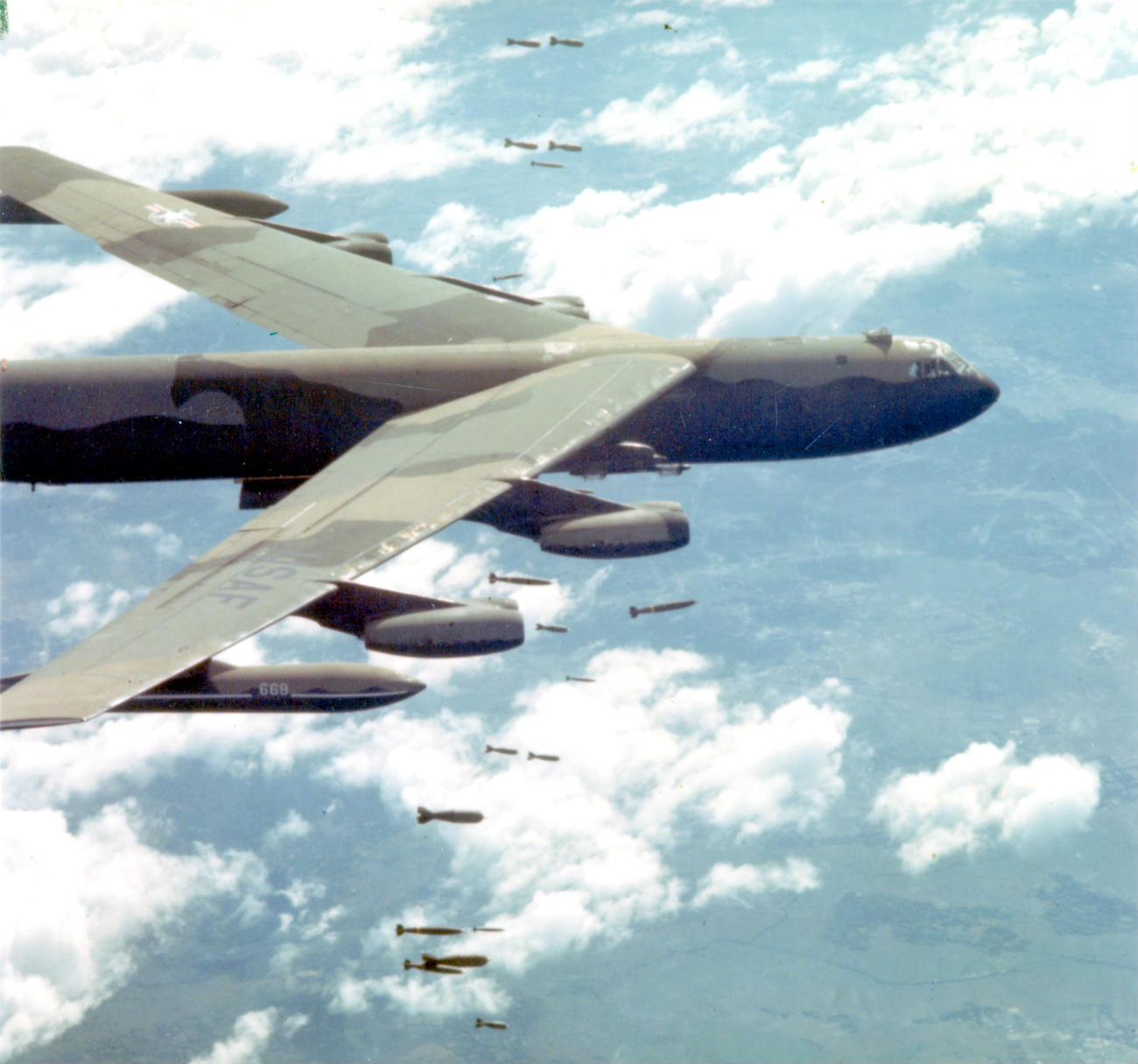 Boeing B 52 Stratofortress Of The U S Air Force History: Captivating Images Of Old Military Aircraft