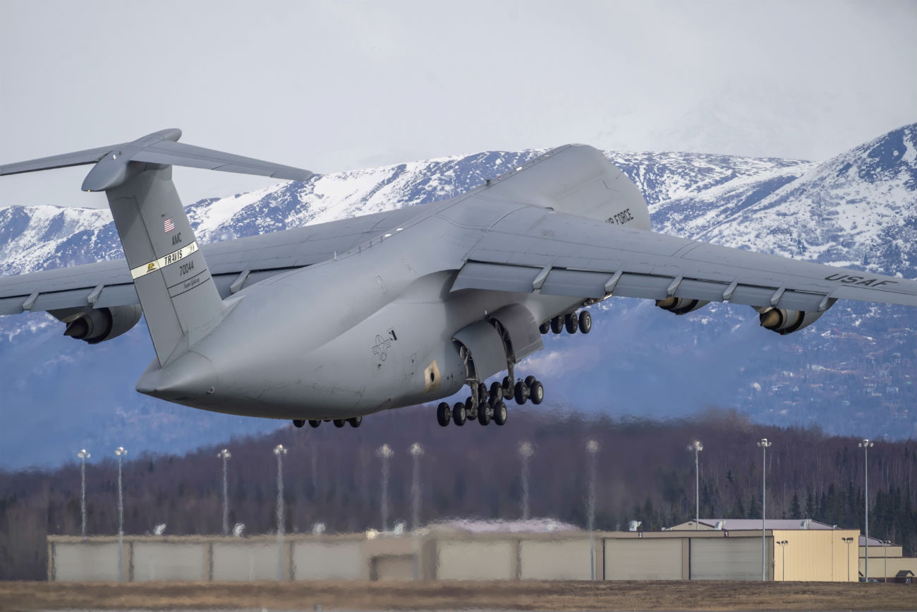 C-5 Galaxy Images aircraft takes off