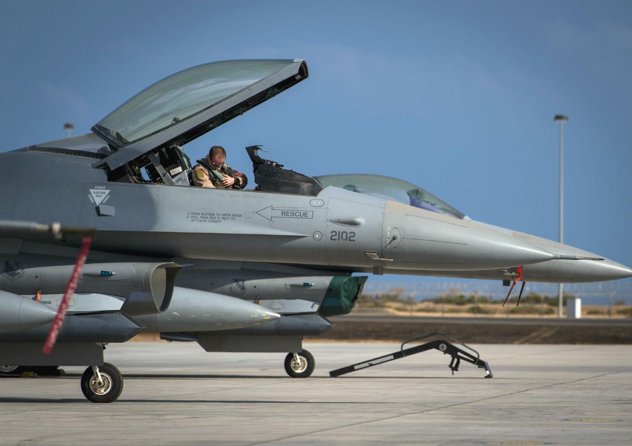 F-16 Images Fighting Falcon Pilot prepares