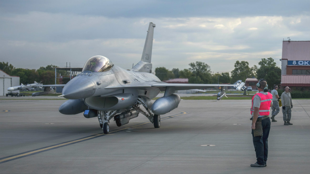 F-16 Fighting Falcon aircraft parked