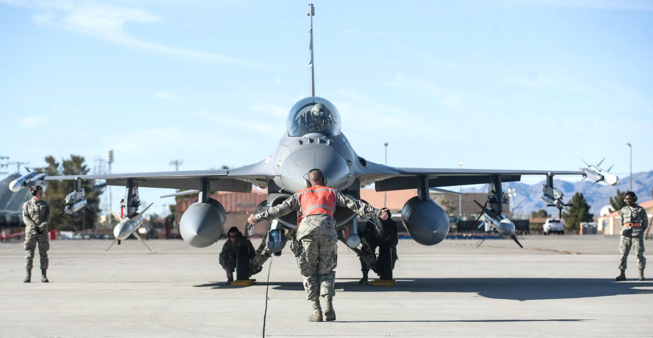 F-16 Images Fighting Falcon preflight