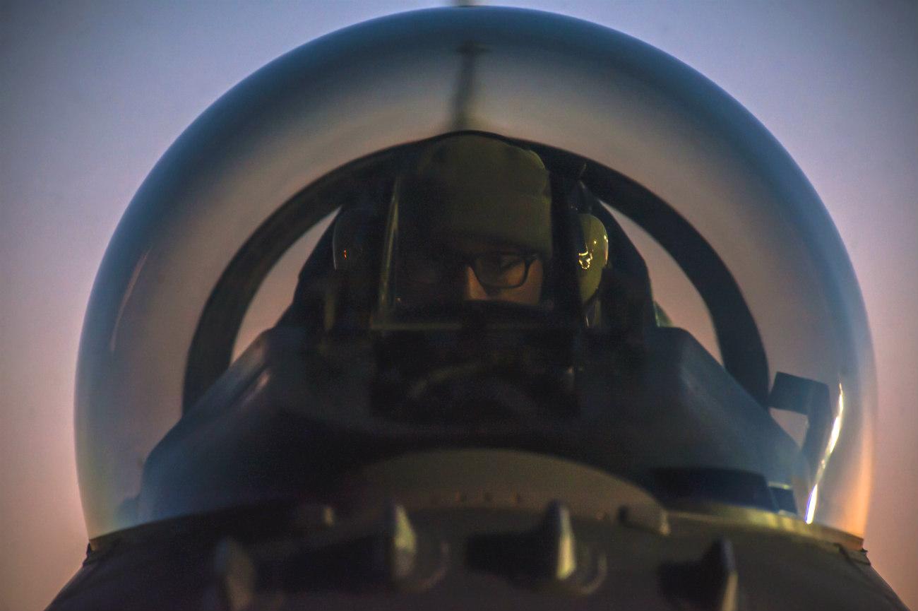 F-16 Fighting falcon pilot