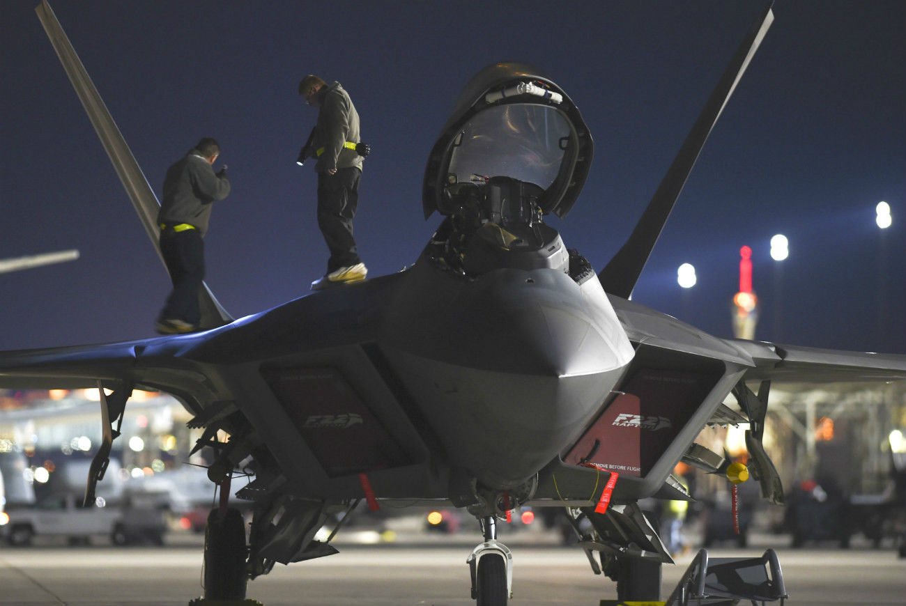 F-22 Night Maintenance