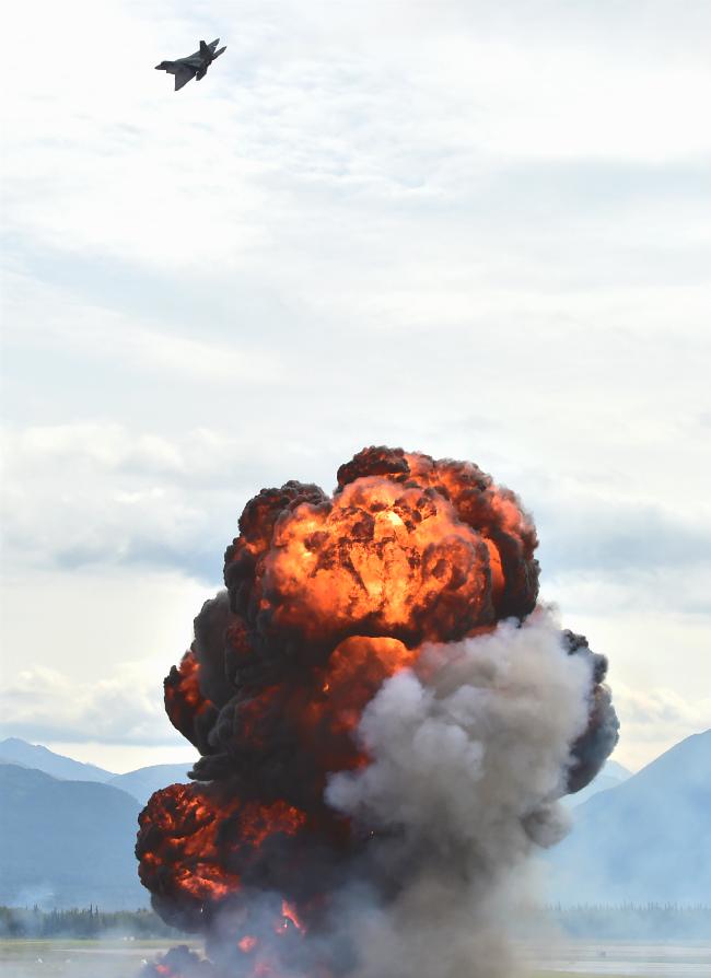 F-22 Raptor Bomb