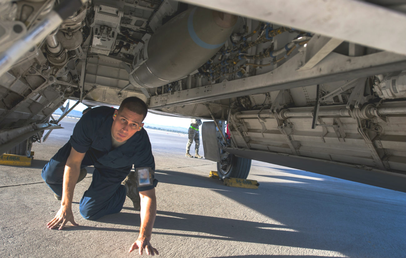 F-22 Raptor Bomb Check