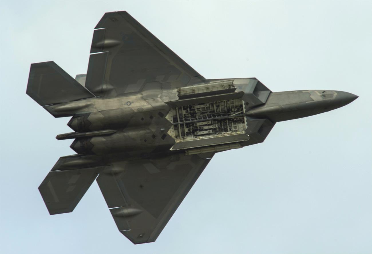 F-22 Raptor Bomb Doors
