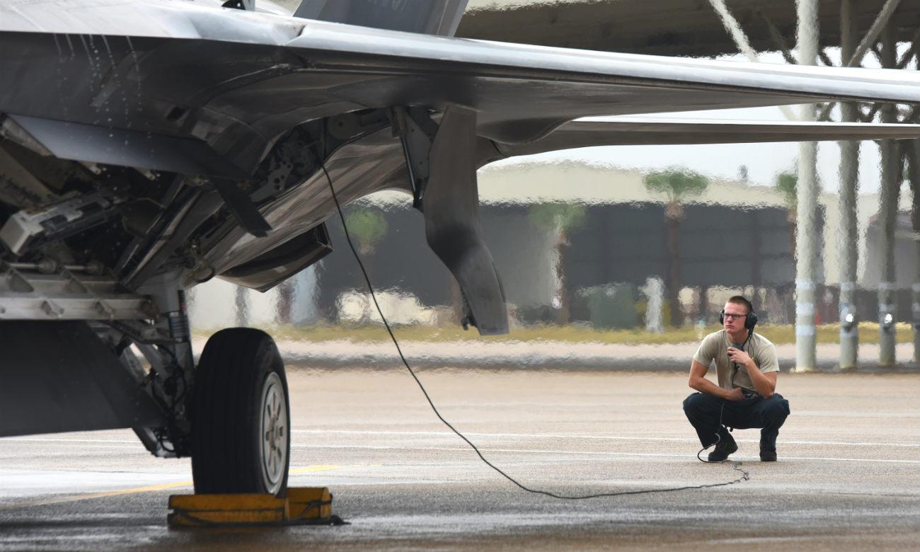 F-22 Raptor Engine Checks