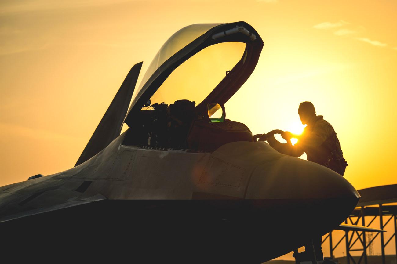 F-22 Raptors inspections