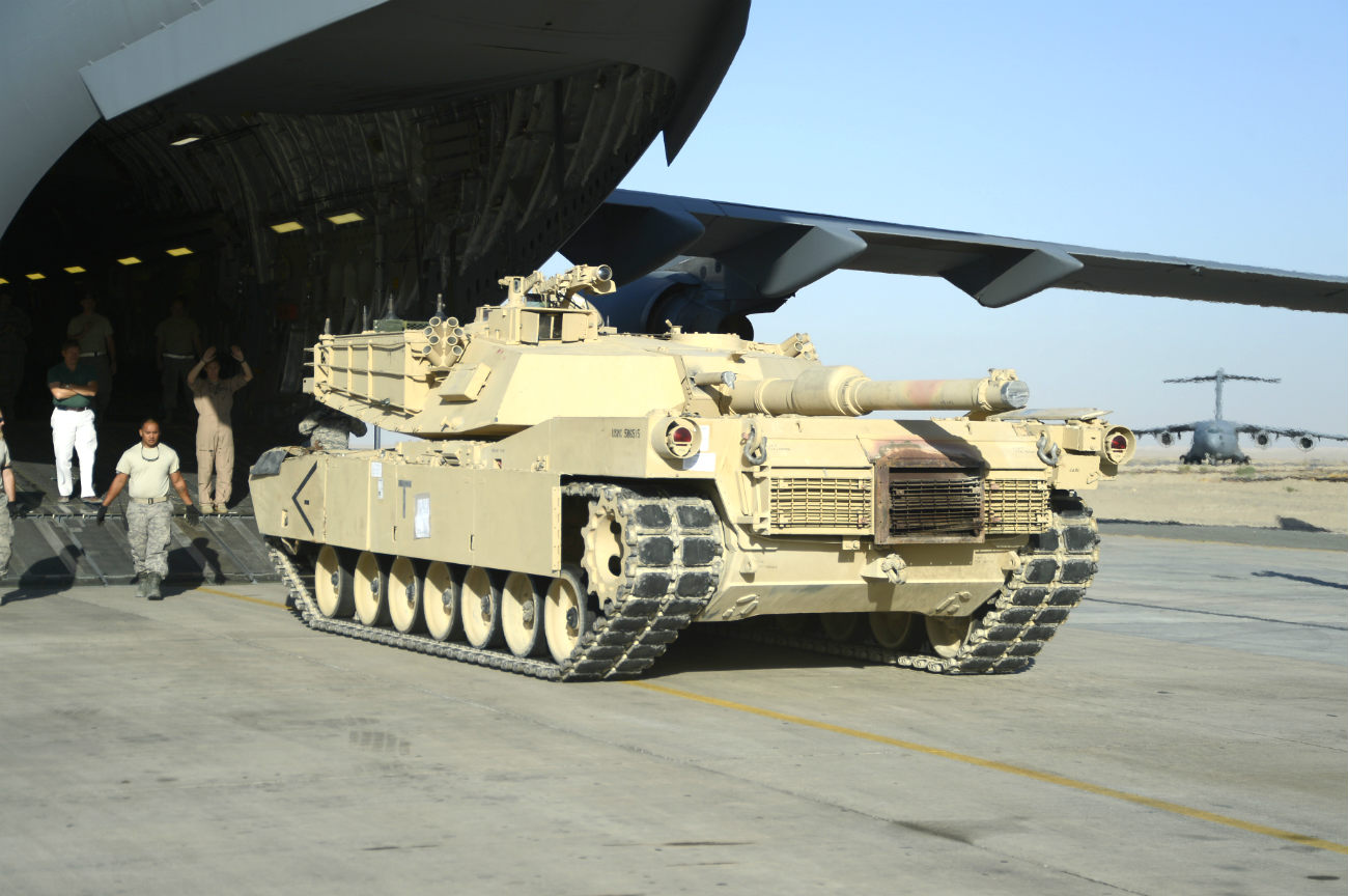 M1 Abrams aircraft Unload