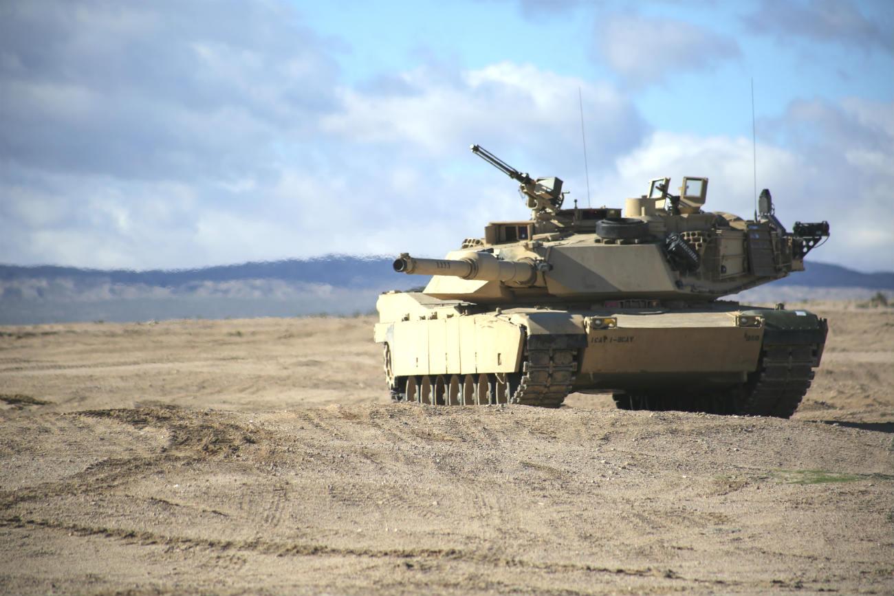 M1 Abrams tank images desert