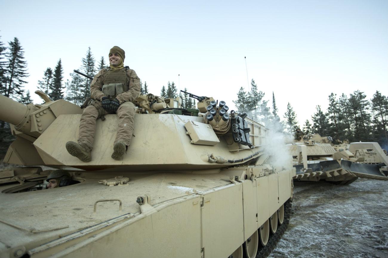 M1 abrams tank Soldier