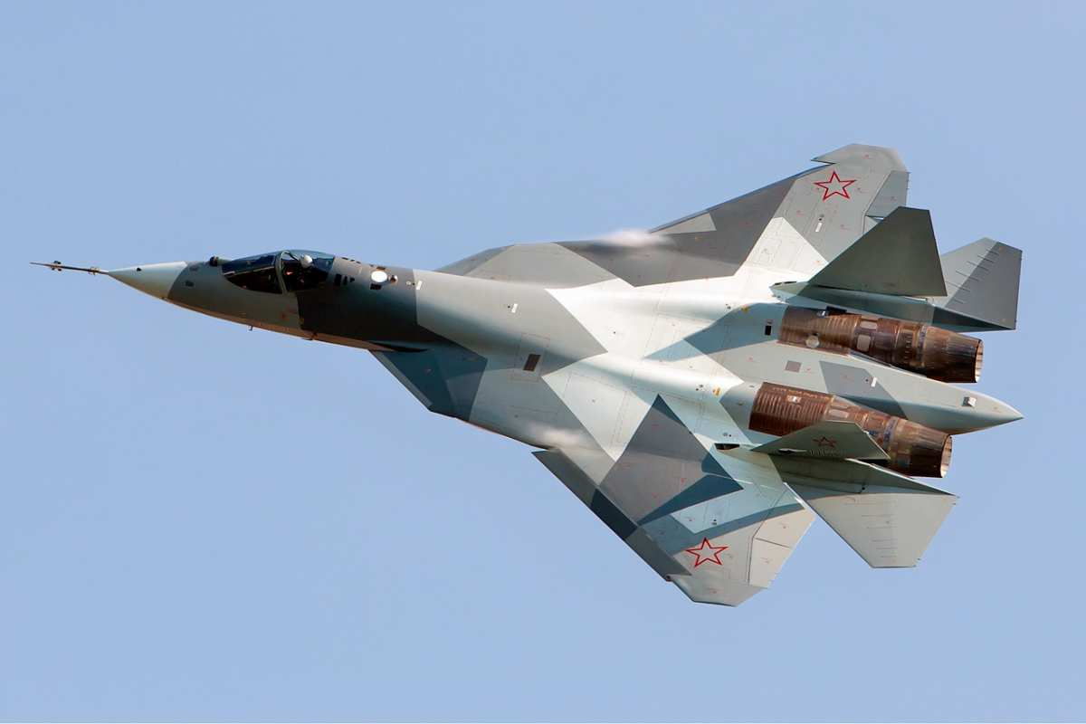 Sukhoi_T-50_Beltyukov-2