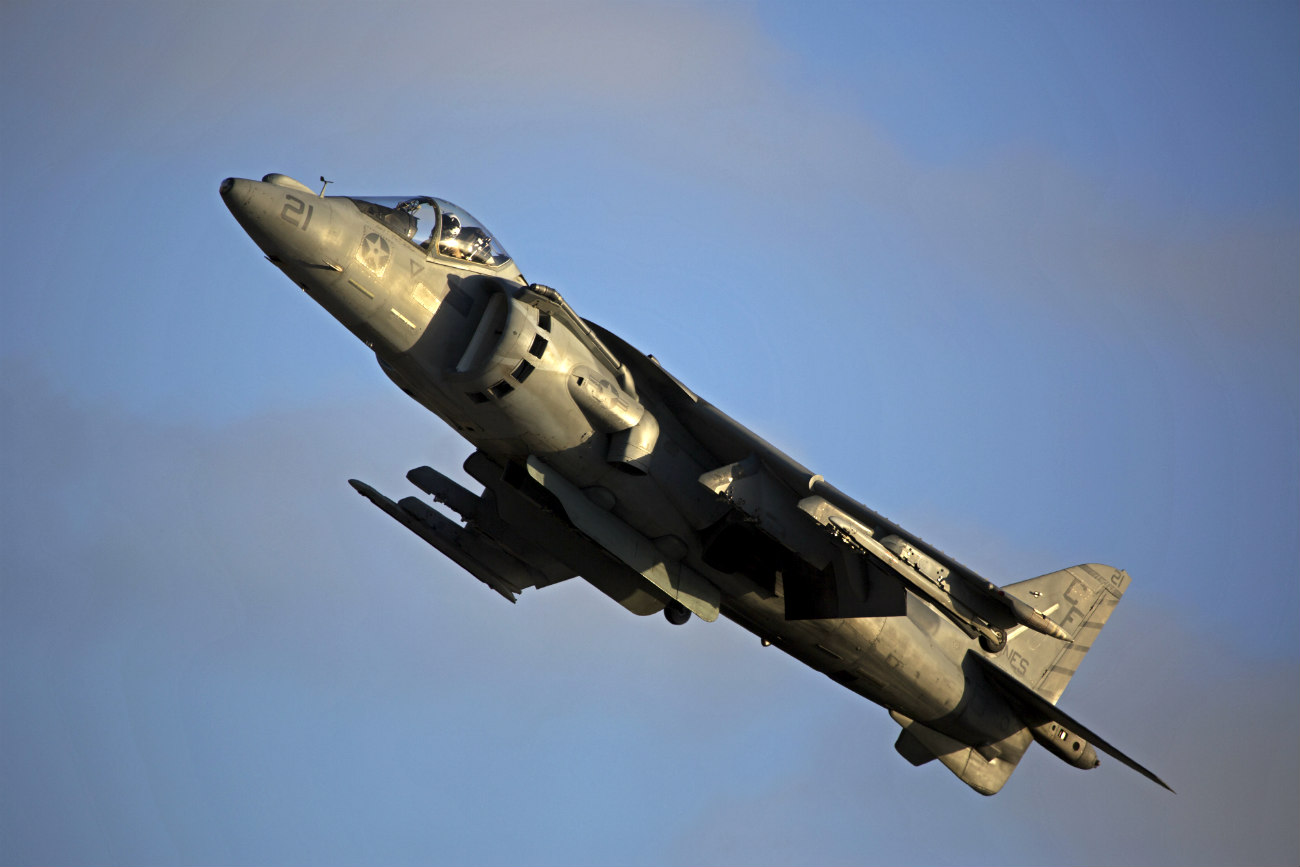 AV-8B Harrier Maneuvering