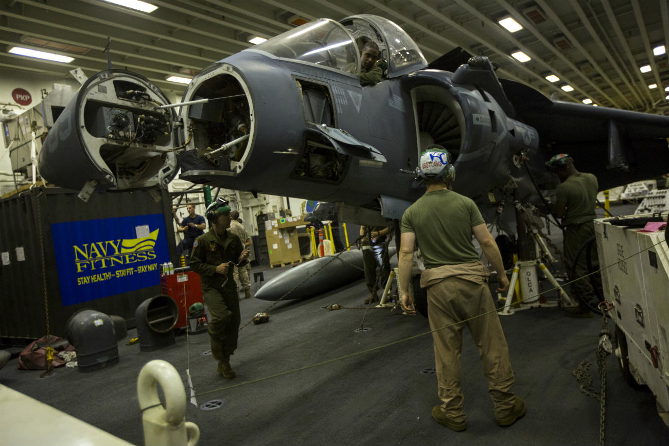 AV 8b Harrier Maintenance