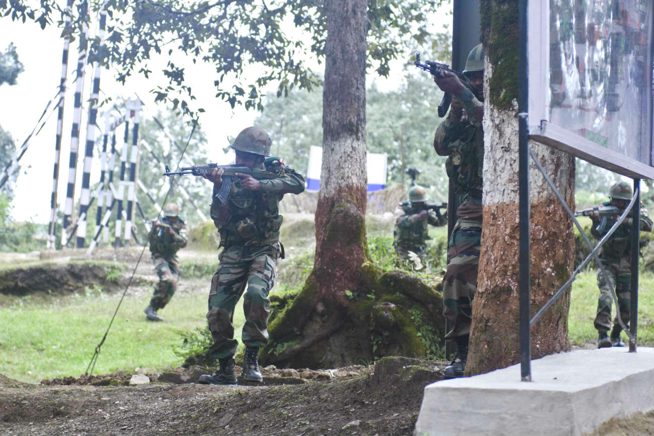Armed Forces Images Indian in training