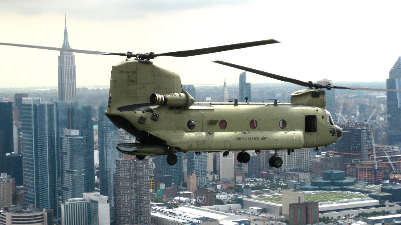 CH 47 Chinook Helicopter