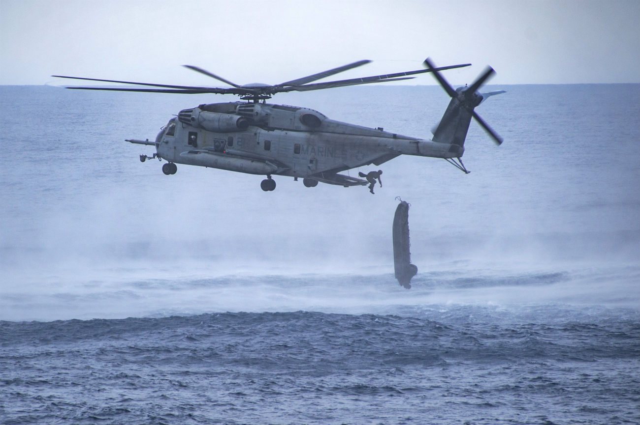 CH-53 Sea Stallion Boat drop