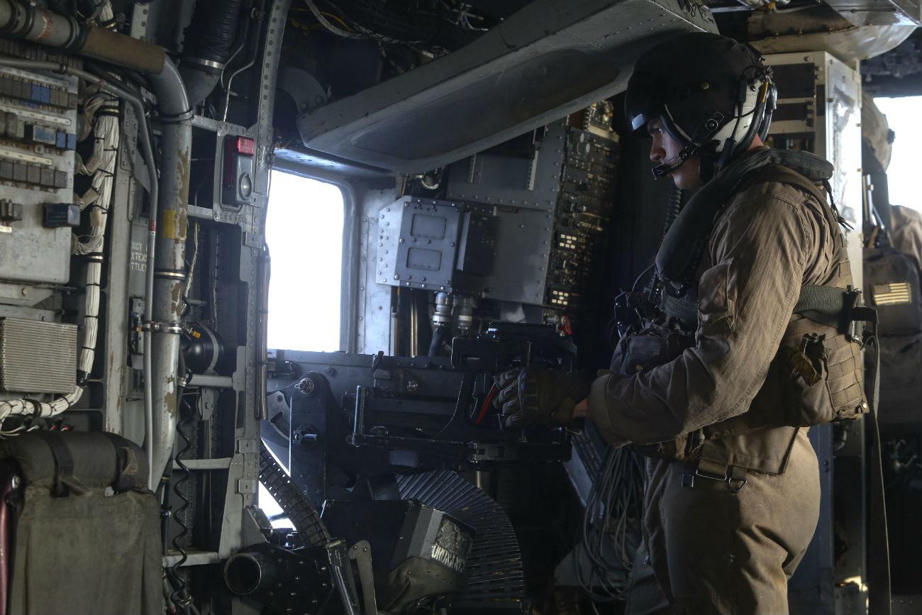 CH-53 Sea Stallion Side machine gun