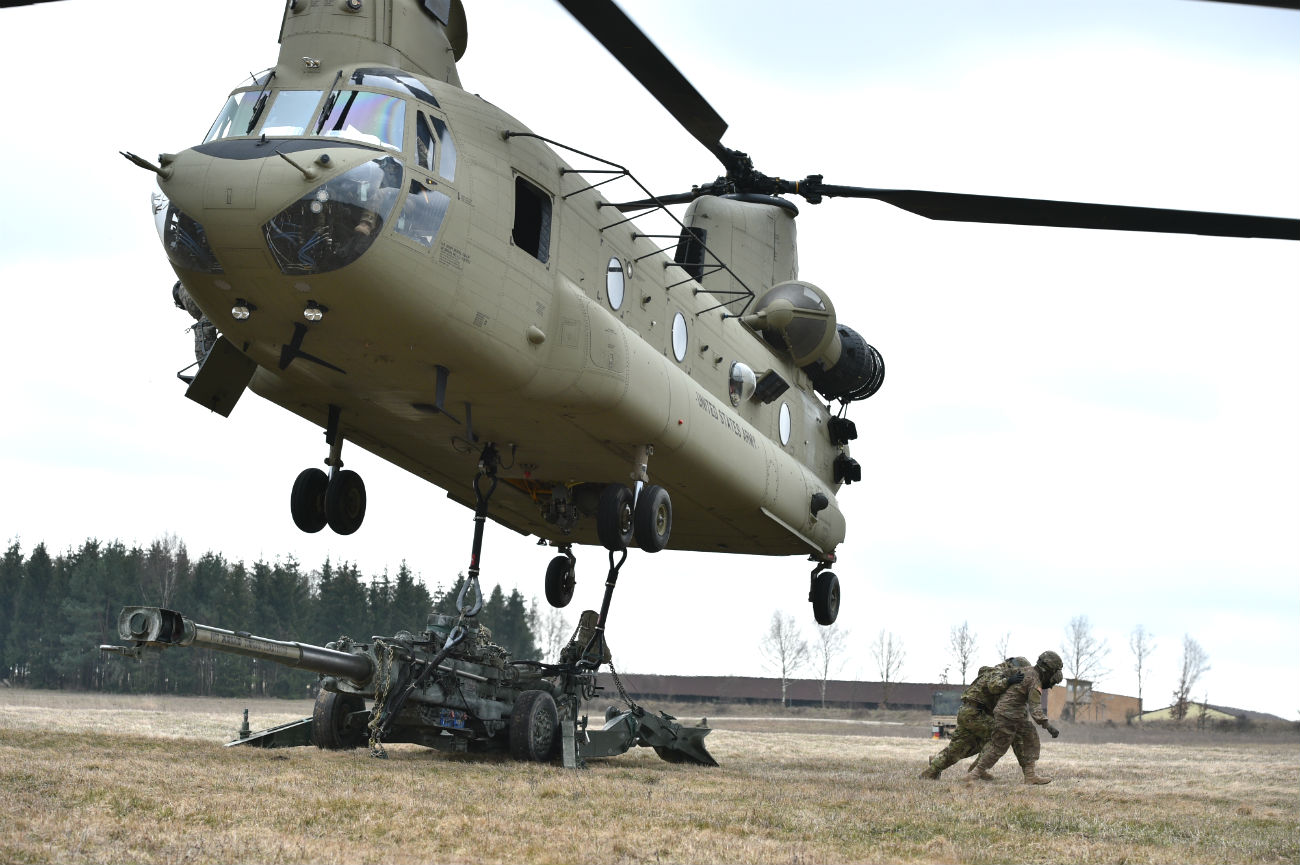 Ch-47 Chinook Images Military Helicopter