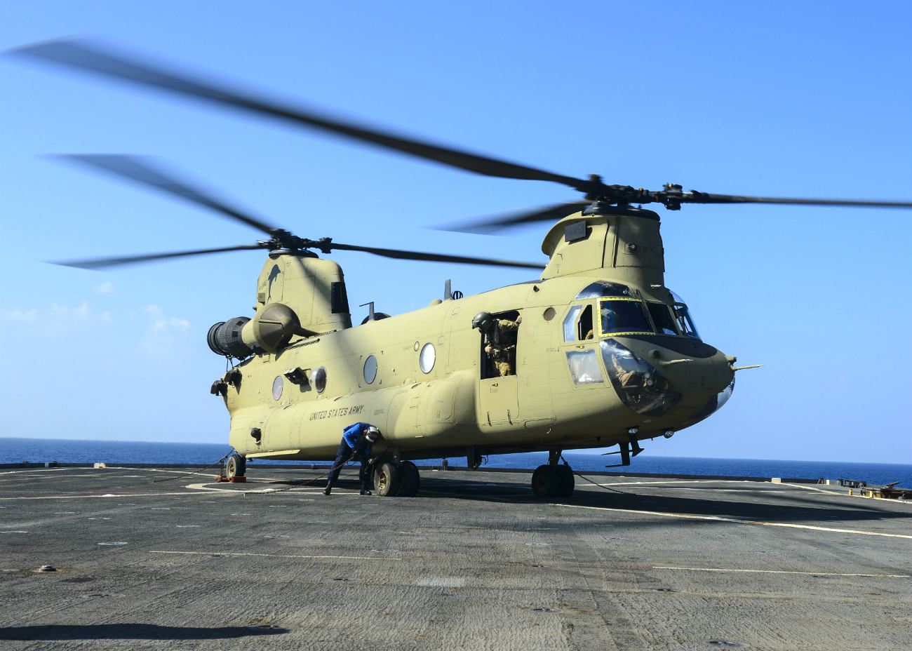Ch-47 Chinook Images Helicopter on Carrier