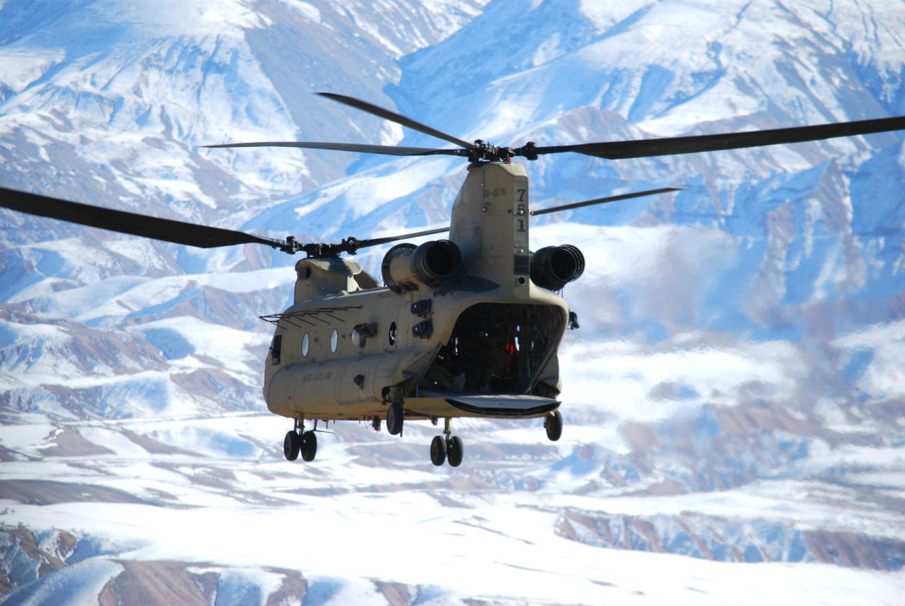 Spectacular Images Of The Boeing CH-47 Chinook Helicopter