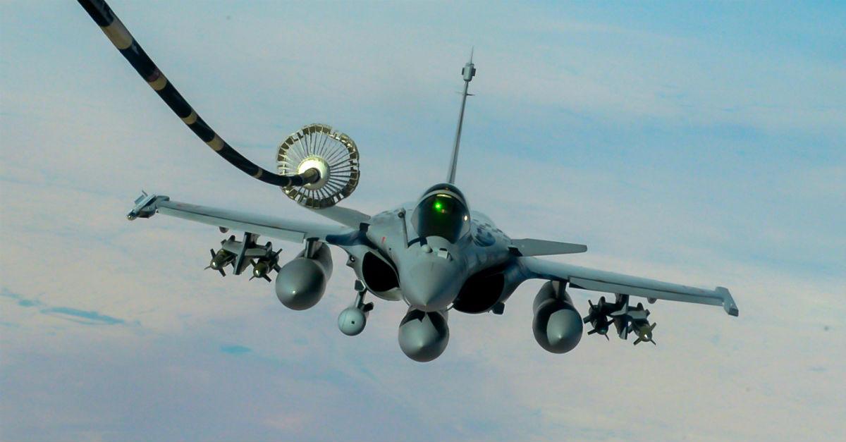 Dassault Rafale Refuels