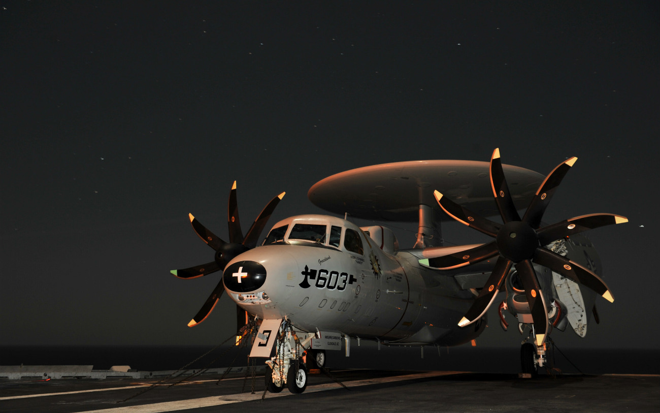E-2 Hawkeye images parked night