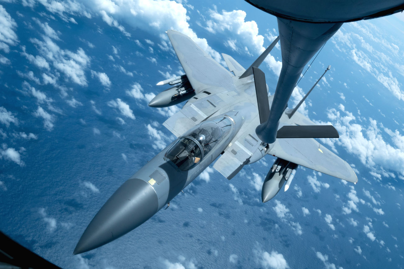 F-15 Eagle Images refuels in air